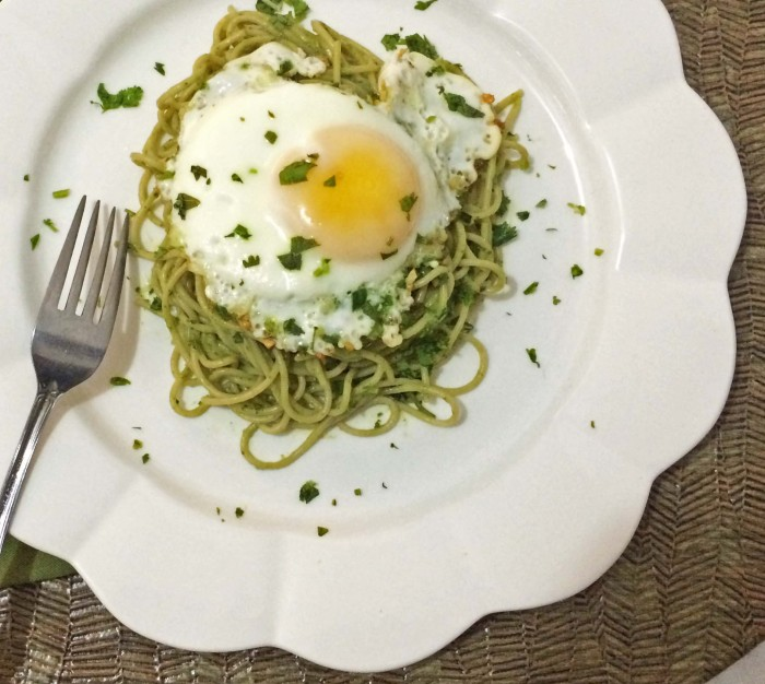 Avocado Pasta with an Egg on top